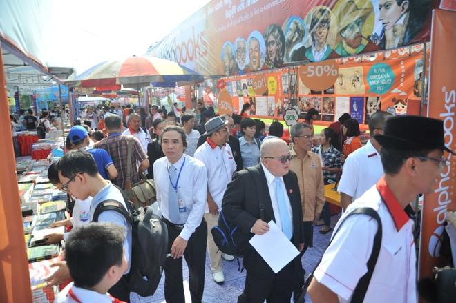 Hội sách thu hút sự có mặt của nhiều vị khách quốc tế trong ngày đầu khai mạc