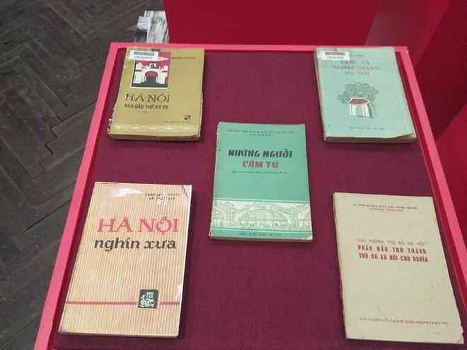 Tặng 1.000 bức Họa đồ Hoàng thành Thăng Long cho độc giả đến Đại hội sách cũ