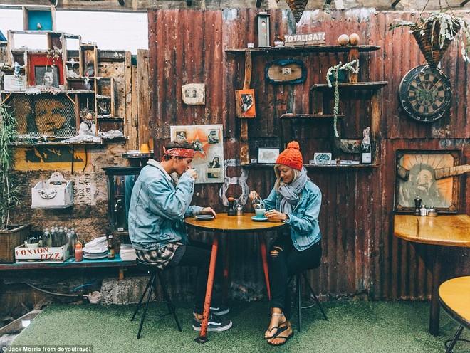 Thưởng thức cà phê ở Wellington, New Zealand