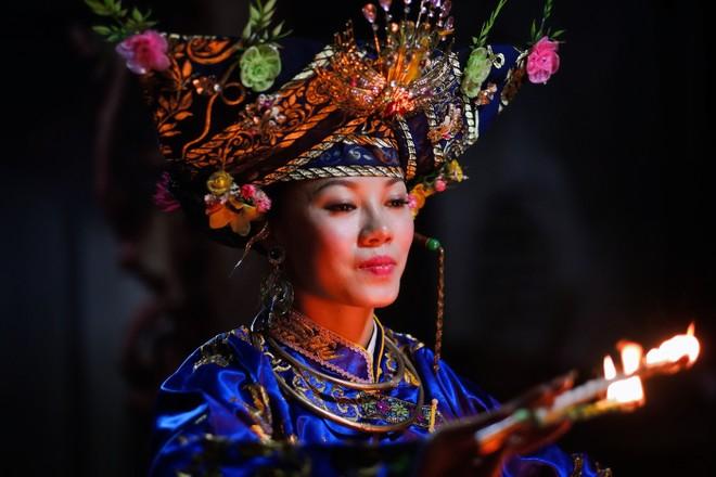 Tín ngưỡng thờ Mẫu Tam phủ được thực hành ở nhiều tỉnh, thành ở Việt Nam. Ảnh: Tewfic El-Sawy