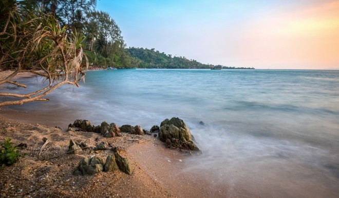 Chiều xuống trên bãi biển ở Kep,Campuchia