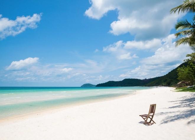 Vẻ đẹp hoang sơ của bãi cát trắng ở Phú Quốc, Việt Nam