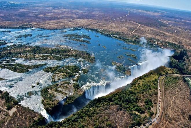 Thác nước Victoria hùng vĩ ở Zambia, Zimbabwe