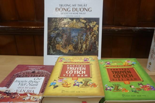 """Hạng mục Sách Đẹp có tên các tác phẩm """"Kho tàng truyện cổ tích Việt Nam"""""""