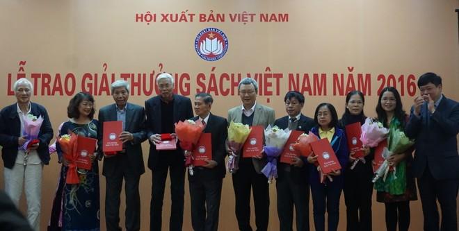 """Vinh danh những cuốn sách đáng đọc nhất trong năm tại """"Giải thưởng Sách Việt Nam"""""""