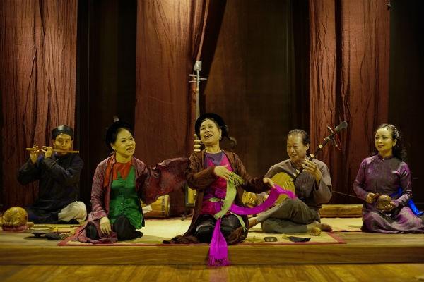 Các nghệ sỹ trong nhóm Đông Kinh cổ nhạc