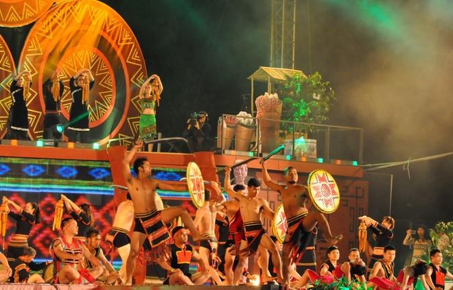 Lễ hội cà phê Buôn Ma Thuột là sự kiện được tổ chức 2 năm một lần, thu hút du khách trong và ngoài nước đến với Tây Nguyên