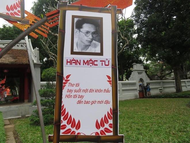 Tấm hình trên panô của thi sĩ Hàn Mặc Tử thực ra là của nhà thơ Yến Lan