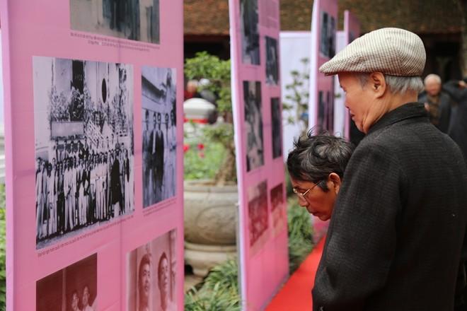 Triển lãm 60 năm Hội Nhà văn Việt Nam ghi lại những dấu mốc, những hình ảnh đáng nhớ