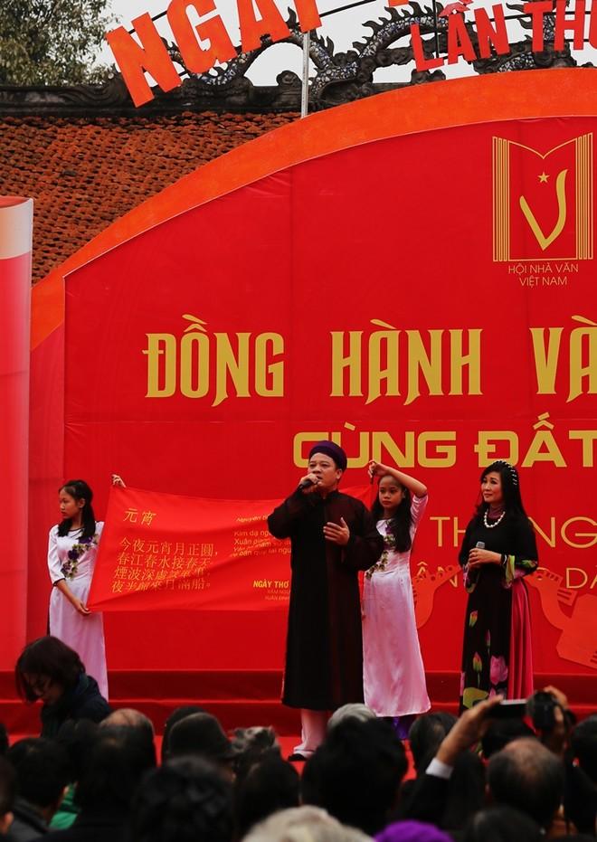 50 câu thơ được thả lên trời trong Ngày thơ Việt Nam ảnh 6