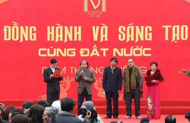 50 câu thơ được thả lên trời trong Ngày thơ Việt Nam ảnh 11