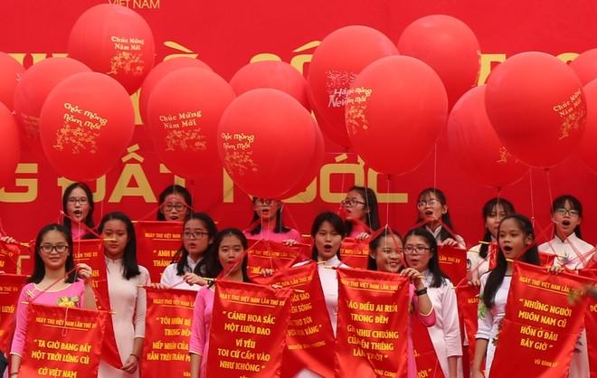 50 câu thơ được thả lên trời trong Ngày thơ Việt Nam ảnh 14
