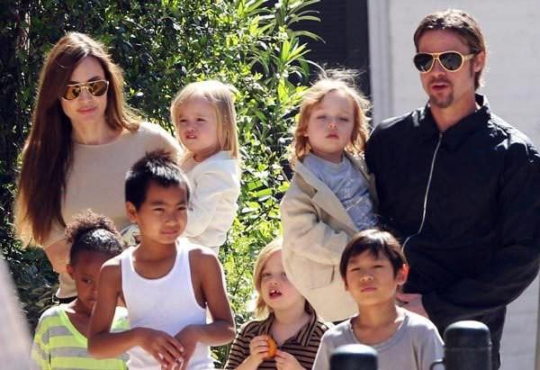 Angelina Jolie từng tố cáo Brad Pitt bạo hành với các con, tuy nhiên mới đây cô bất ngờ dành lời khen với chồng cũ