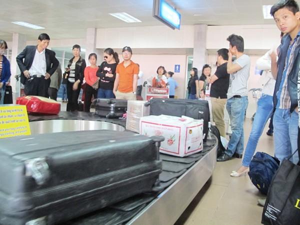 Đối tượng trộm cắp hành lý tại sân bay Nội Bài là nhân viên giám sát ảnh 2