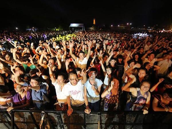 Lễ hội âm nhạc Quốc tế Gió mùa 2015 ở Hoàng thành Thăng Long: Đẳng cấp quốc tế - giá vé bình dân ảnh 1