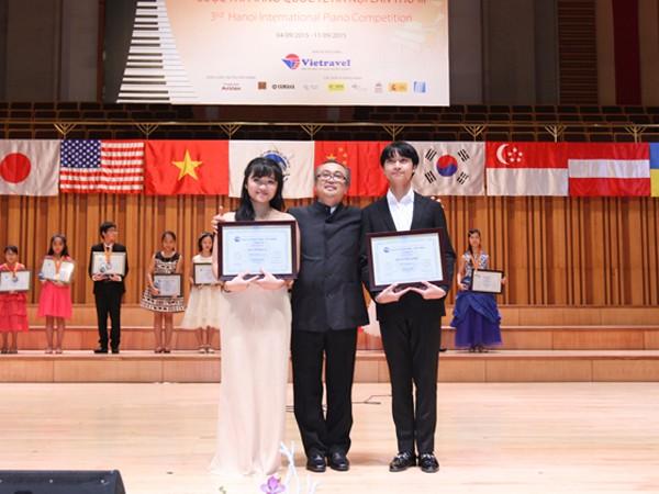 Con trai ca sĩ Thanh Lam và nhạc sĩ Quốc Trung giành giải Nhất cuộc thi piano quốc tế ảnh 1
