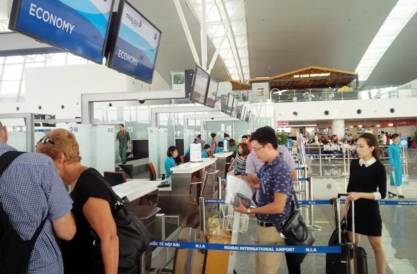 Hàng loạt vụ giả danh nhân viên sân bay để lừa đảo ảnh 1