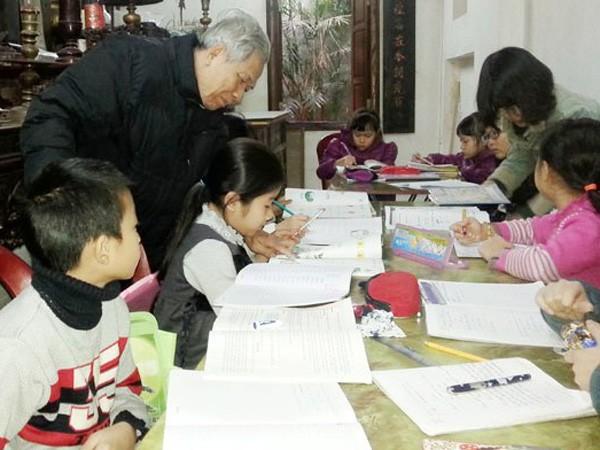 Lớp học của ông giáo Nguyễn Trà ảnh 1