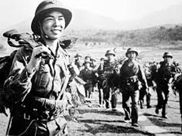 """""""40 thế kỷ cùng ra trận"""" - khích lệ tinh thần yêu nước trong mỗi người dân Việt ảnh 1"""