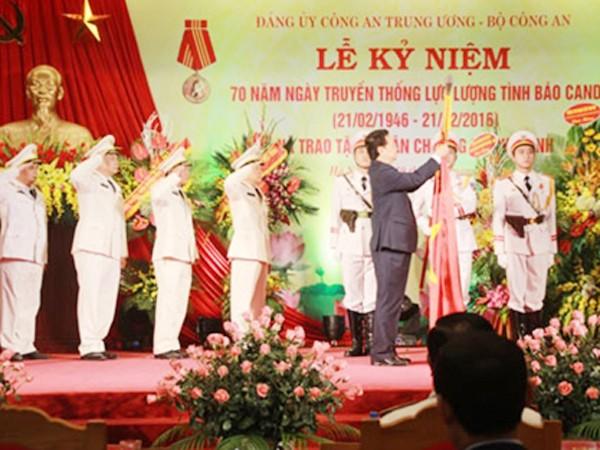 Thủ tướng trao phần thưởng cao quý cho lực lượng Tình báo CAND ảnh 1