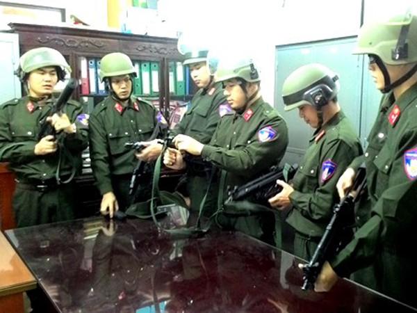 Cảnh sát hình sự đặc nhiệm, Phòng CSHS - CATP Hà Nội chuẩn bị vũ khí trước giờ làm nhiệm vụ