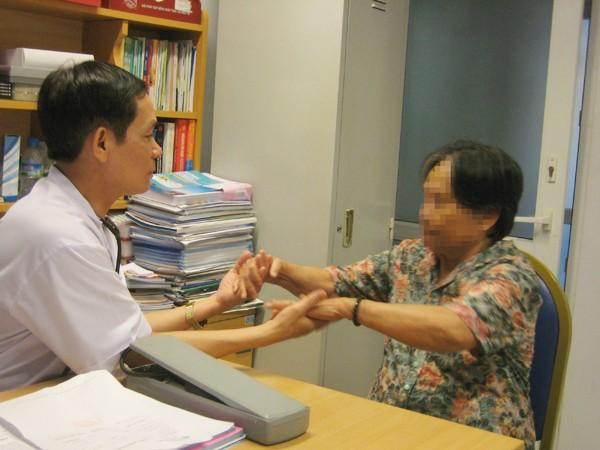 Nắng nóng khiến người cao tuổi, người có bệnh mãn tính dễ đổ bệnh