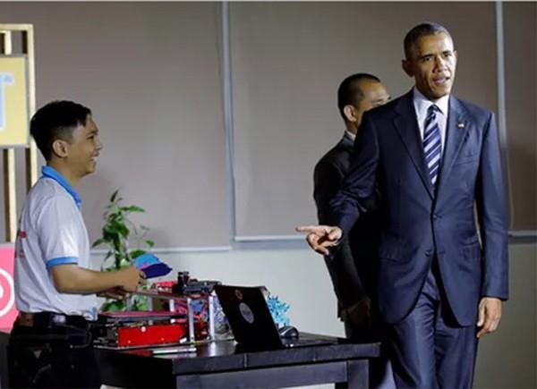 Buổi chiều bận rộn của ông Obama ở TP.HCM
