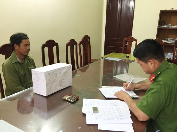 Cơ quan công an đang lấy lời khai của đối tượng Hoàng Văn Vân