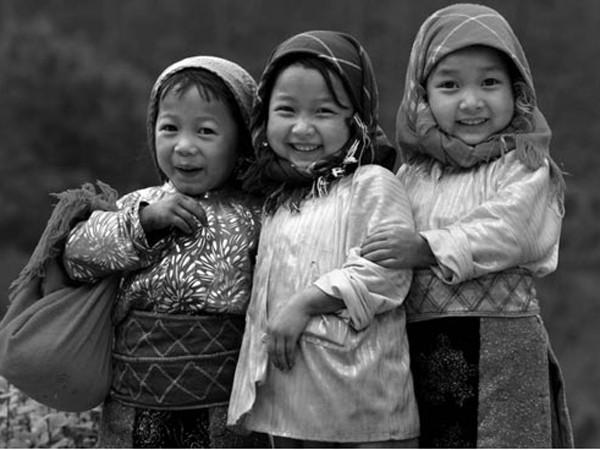 """Bức ảnh """"Ba chị em Mông"""" của Trần Thiết Dũng"""