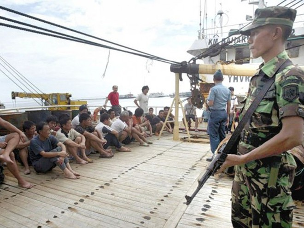 Ngư dân Trung Quốc bị nhà chức trách Indonesia bắt giữ khi xâm nhập vùng biển thuộc chủ quyền Indonesia