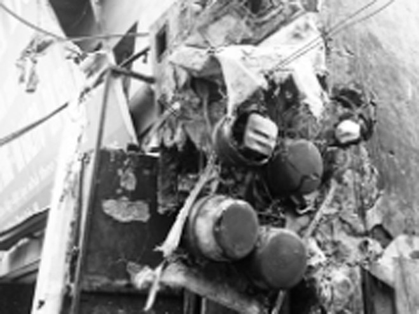 Hiện trường vụ cháy trụ công tơ điện tại Kim Giang