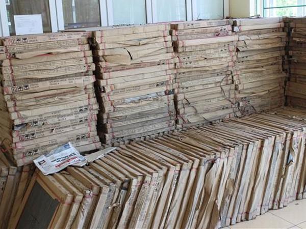 300 thùng gạch cơ quan chức năng phát hiện thu giữ
