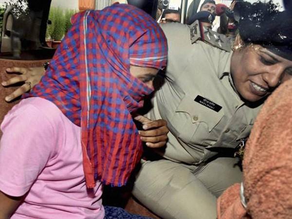 """Nữ sinh """"quán quân"""" lớp 12 ở bang Bihar, Ấn Độ bị bắt trong vụ bê bối gian lận điểm"""
