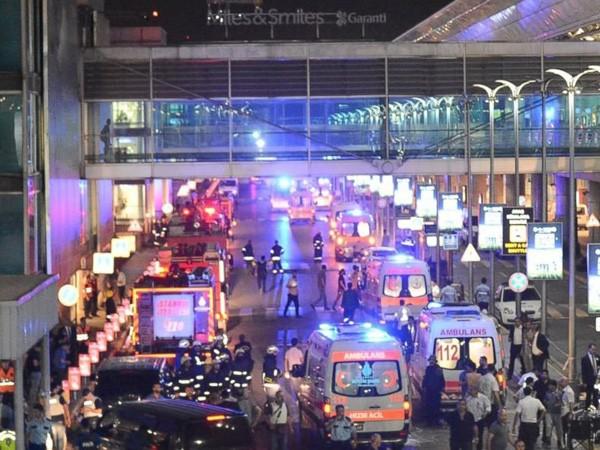 Thổ Nhĩ Kỳ cáo buộc IS là thủ phạm của vụ tấn công khủng bố đẫm máu tại sân bay quốc tế lớn nhất nước này