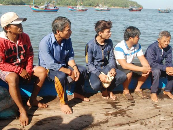5 ngư dân trên tàu cá QNg 90479 bị chìm