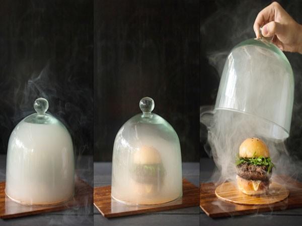 """Món """"Hamburger sương mù"""" độc đáo"""