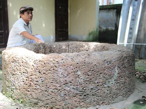 Giếng đá ong cổ kính làng Đại Phùng