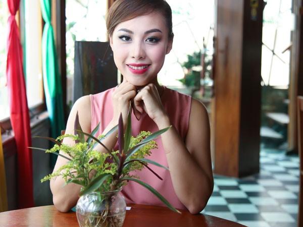 MC Đỗ Phương Thảo tham dự Mrs Universal 2016