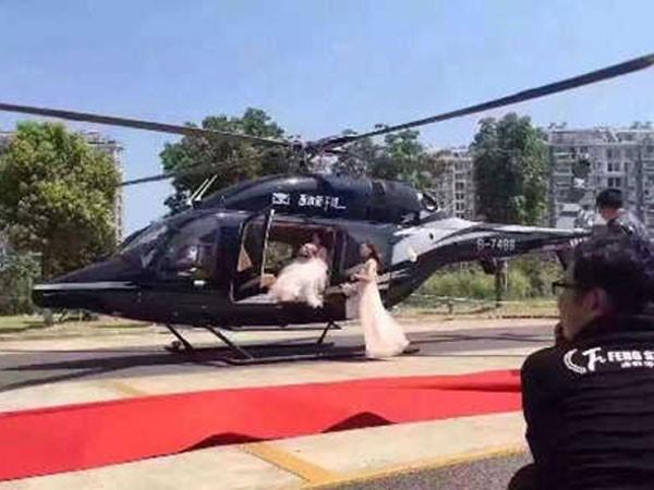 Tắc đường vì thuê trực thăng đón dâu