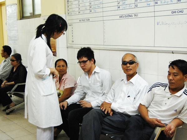 Văn minh bệnh viện thể hiện ngay từ văn hóa ứng xử giữa y, bác sĩ với người bệnh
