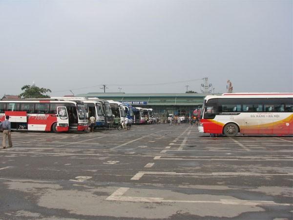 Nhức nhối xe khách liên vận tuyến Việt Nam - Lào