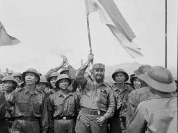 Xúc động xem ảnh lãnh tụ Cuba Fidel Castro