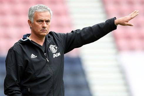 Mourinho đạt mốc chi tiêu 1 tỷ euro mua sắm cầu thủ