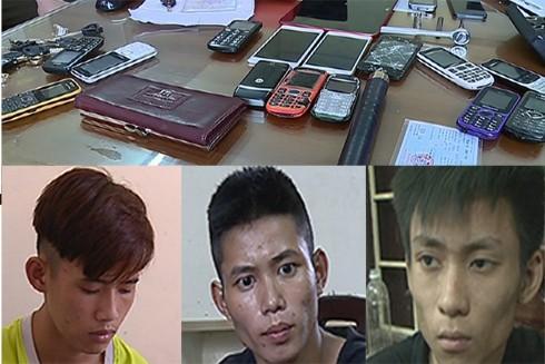 Các đối tượng chính và tang vật những vụ cướp giật bị cơ quan công an thu giữ