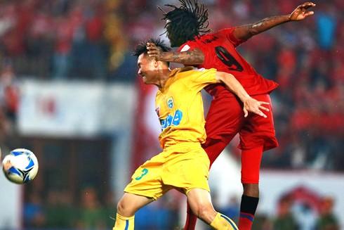 Từ đội đầu bảng Hải Phòng tới đội xếp thứ 5 là Thanh Hóa (trái) đều cùng cơ hội vô địch V-Leauge mùa này