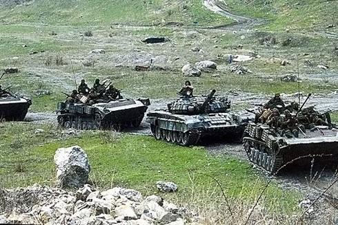 Nga triển khai quân gần biên giới Ukraine hồi tuần trước