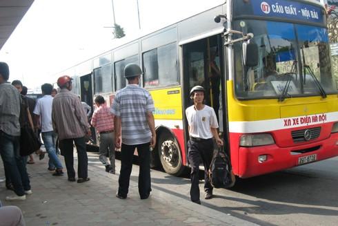 Vận tải hành khách công cộng bằng xe buýt vẫn chưa được như kỳ vọng