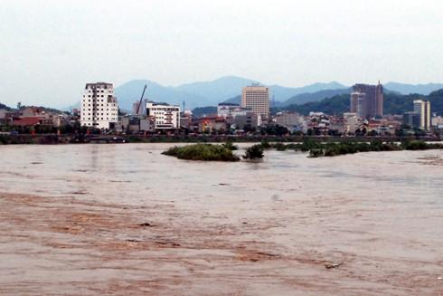 Lũ sông Hồng tại Lào Cai diễn biến bất thường ảnh 1