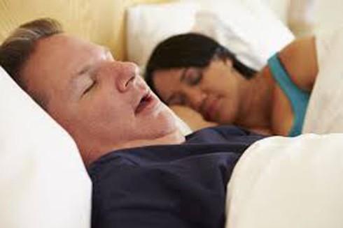 Ngưng thở khi ngủ làm trầm trọng bệnh ung thư phổi