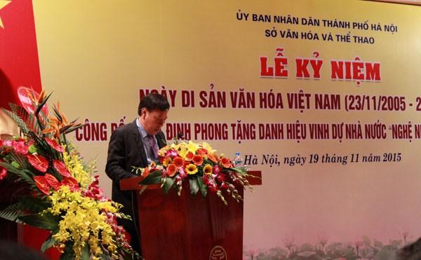 """Ông Tô Văn Động công bố quyết định phong tặng """"Nghệ nhân ưu tú"""" cho 39 nghệ nhân xuất sắc"""